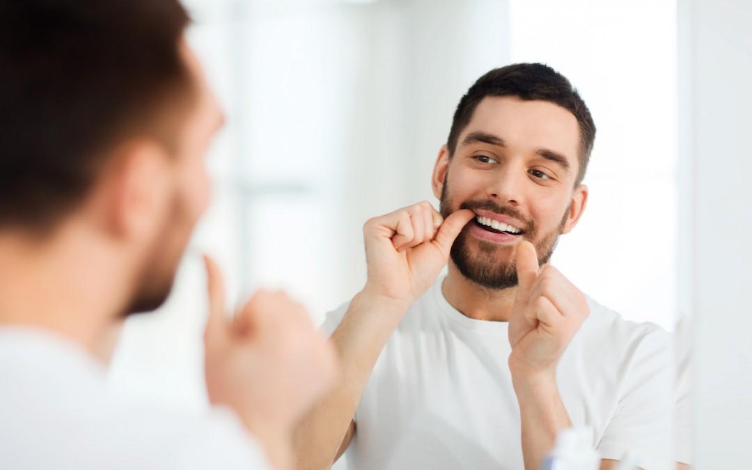 El uso de la seda dental